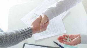 סעיף 8 לחוק המקרקעין - דרישת הכתב בעסקאות מקרקעין - עורך דין מקרקעין